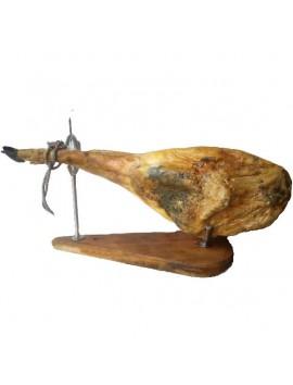Jamón Ibérico de Bellota (Pata Negra). Denominación de origen Guijuelo. Curación más de 36 meses. Peso de 8 a 8,5 kg.